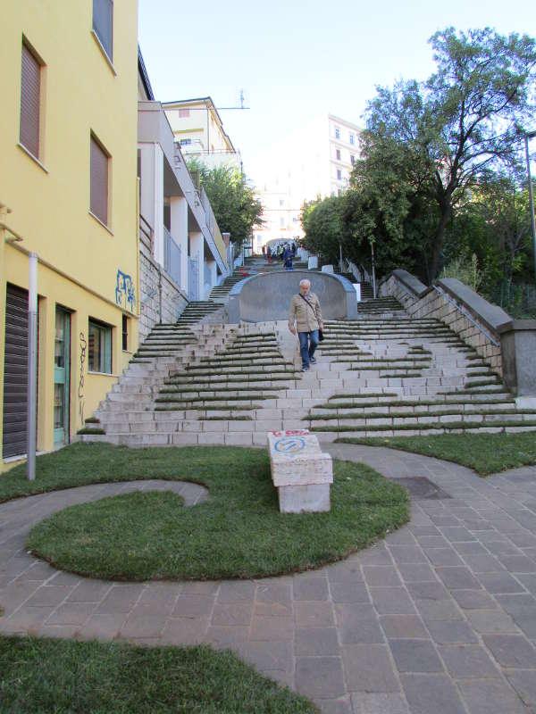 A potenza incanta la meraviglia dell 39 opera d 39 arte giardino in scala - Scala da giardino ...